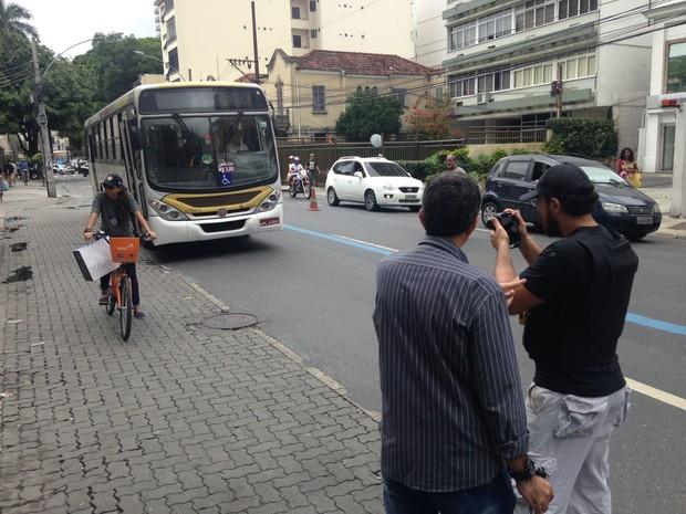 Polícia faz reconstituição da morte de Júlia Rezende (Foto: Guilherme Peixoto/ TV Globo)