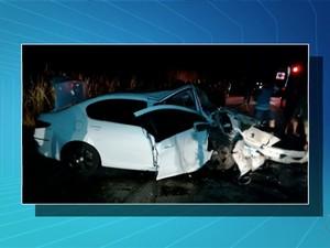 Acidente provoca a morte de cinco pessoas na BR-153 (Foto: Reprodução/TV Anhanguera)
