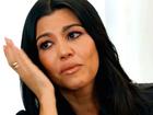 Kourtney Kardashian chora após ver fotos de ex com antiga namorada