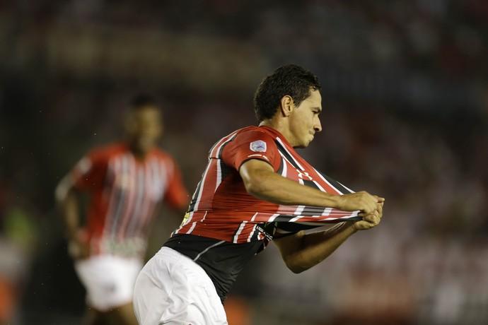 Ganso, River Plate x São Paulo, Libertadores 2016 (Foto: AP)