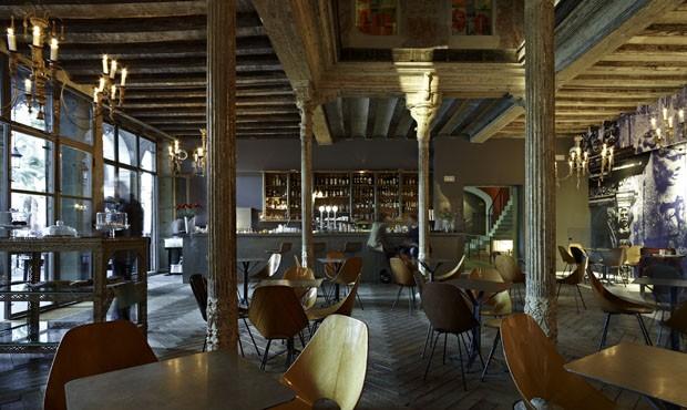 Reduto descolado em barcelona casa vogue restaurantes - Restaurant umo barcelona ...