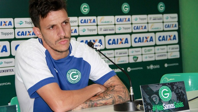 Jean Carlos, meia do Goiás (Foto: Rosiron Rodrigues/Goiás E.C.)