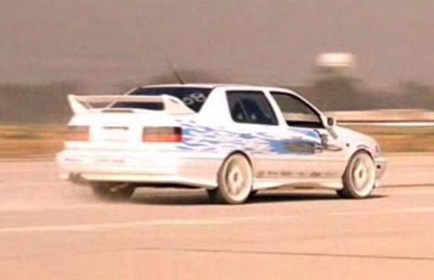 Volkswagen Jetta modelo 1995 (Foto: Reprodução/YouTube)