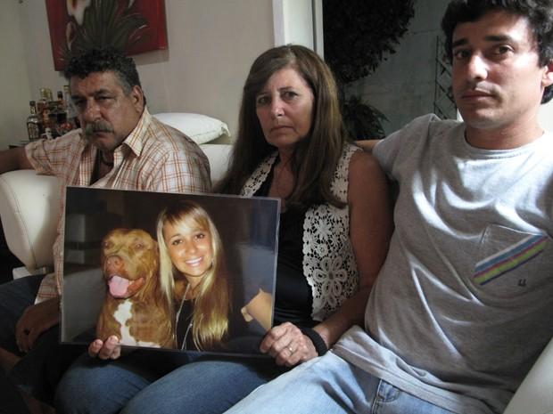 Família da engenheira Patrícia aguarda investigações (Foto: Marcelo Ahmed / G1)
