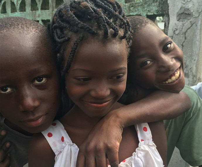 Crianças de Dondo em Moçambique (Foto: Reprodução Redes Sociais)