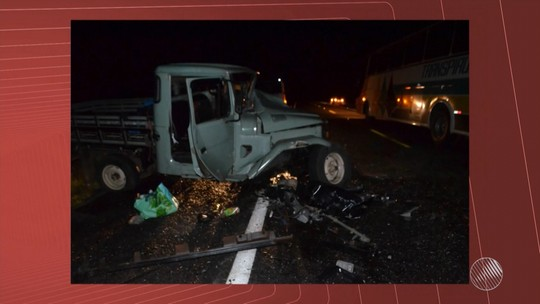 Acidente mata pai e quatro filhos na BA e deixa carro irreconhecível; fotos