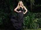 Ex-BBB Aline Gotschalg posa com looks decotados em ensaio de moda