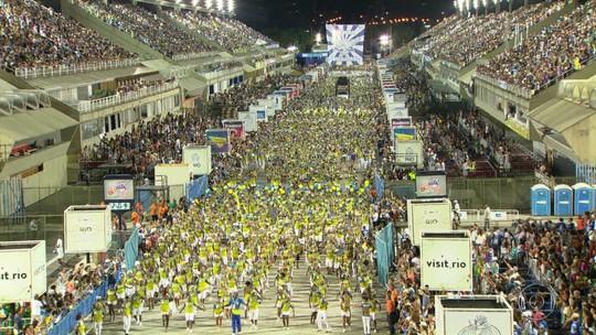 Ensaios técnicos atraem grande público ao Sambódromo do Rio