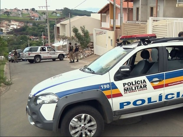Por questão de segurança, rua foi interditada durante a reconstituição (Foto: Reprodução EPTV)