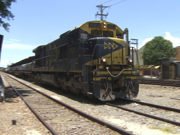 Trem MRS região do Vale do Paraíba (Foto: Reprodução/TV Vanguarda)