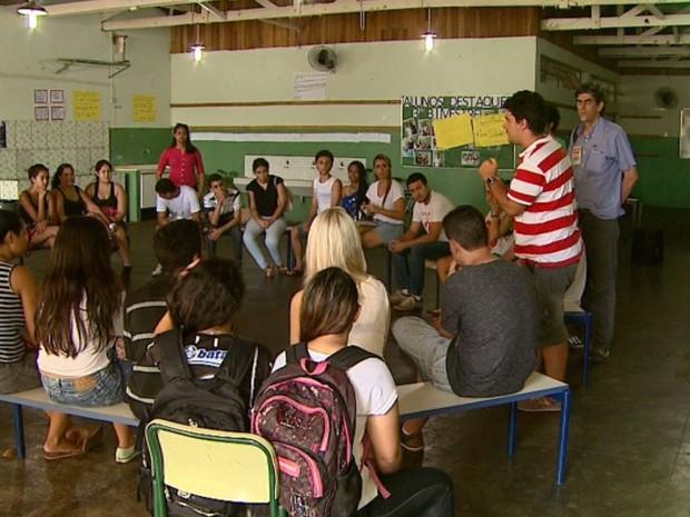 Escola é ocupada por estudantes em Sertãozinho, SP (Foto: Reprodução/EPTV)