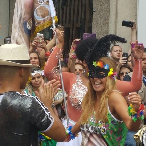 Lucero foi mascarada para a Avenida Paulista (Foto: Reprodução/Twitter)