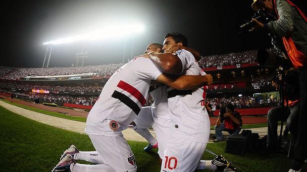 Jadson gol São Paulo Atlético-MG (Foto: Marcos Ribolli / Globoesporte.com)