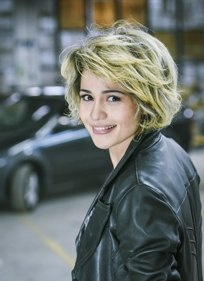 Nanda Costa com o visual da nova personagem, Camila, da série policial Espinosa, do GNT (Foto: Divulgação)