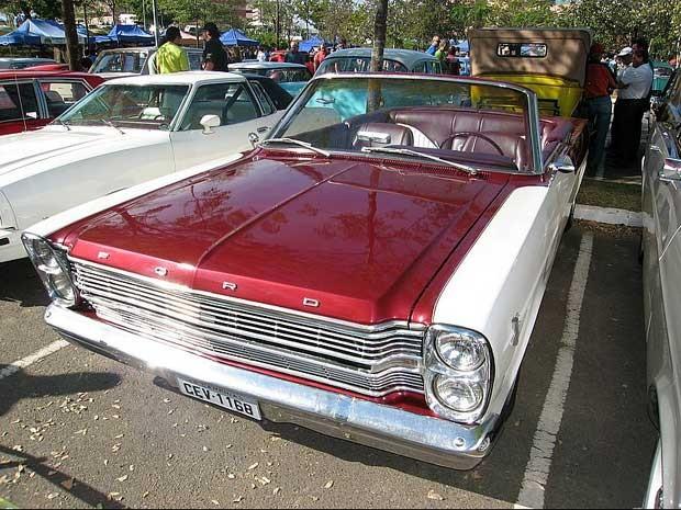 Ford Galaxie exposto em encontro de carros antigos do Galleria Shopping, em Campinas (SP) (Foto: Divulgação/Galleria Shopping)
