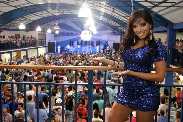 Mc Anitta participa de ensaio na quadra da Portela, no Rio (Foto: Divulgação / Daniel Pinheiro / R2)
