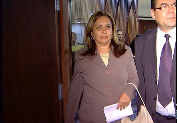 A juíza Olga Regina de Souza Guimarães, afastada por trocar favores com traficante (Foto: Reprodução/TV Globo)