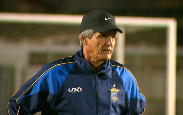 Roberto Oliveira, técnico do São Carlos (Foto: Marlon Tavoni/ EPTV)