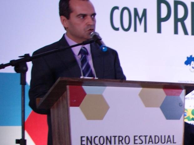 Bruno Martiniano, prefeito de Gravatá (Foto: Alex Brassan/Amupe)