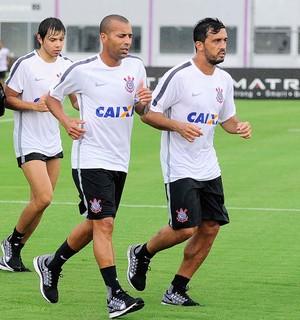 Edilson, Treino Corinthians (Foto: Marcos Ribolli)