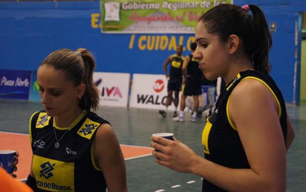 Natália (d) está de volta ao time de Zé Roberto Guimarães (Foto: Thierry Gozzer)