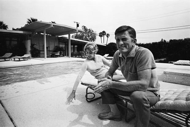 Kirk Douglas e Anne Buydens: juntos por décadas (Foto: Harry Benson/Hulton Archive)