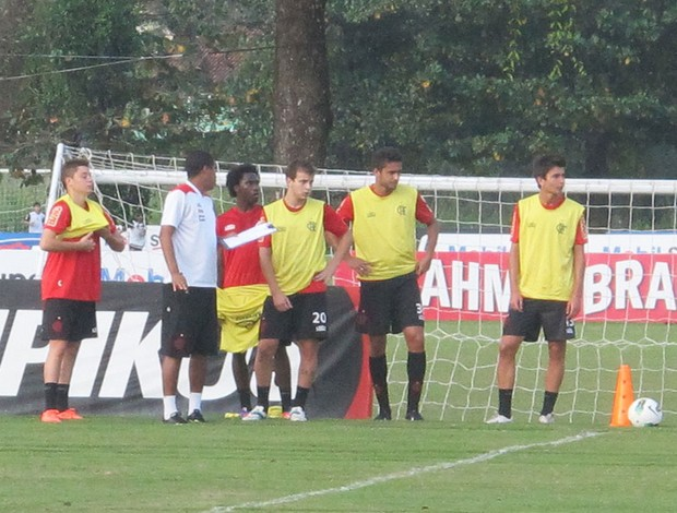 Adryan, negueba, thomas, arthur Sanchez, Mattheus (Foto: Richard de Souza / globoesporte.com)