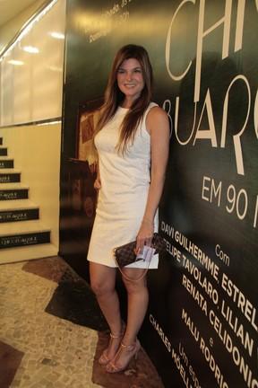 Cristiana Oliveira em estreia de peça no Rio (Foto: Isac Luz/ EGO)