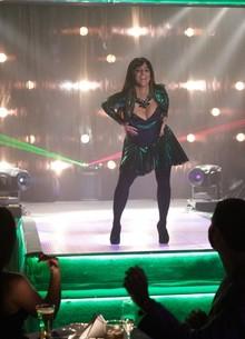 Personagem de Thammy arrasa no palco dançando 'Conga' (Foto: Salve Jorge / TV Globo)