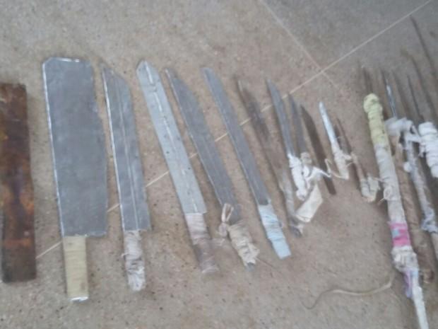 Material foi retirado de pavilhões onde estão presos de facção do RN. (Foto: Divulgação / Sejuc)