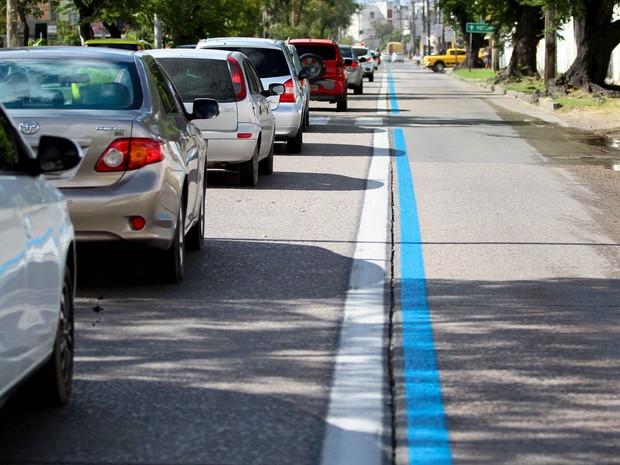 Faixa Azul na Avenida Recife (Foto: Marlon Costa/Pernambuco Press)