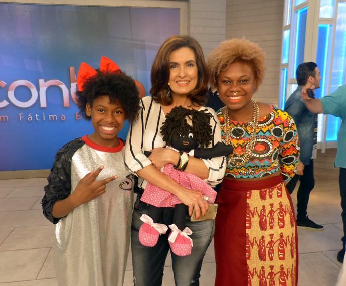 Fátima com MC Soffia e sua mãe (Foto: Viviane Figueiredo Neto/Gshow)
