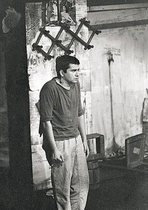 Plinio Marcos em cena de 'Navalha na Carne' em 1966 (Foto: Derly Marques)