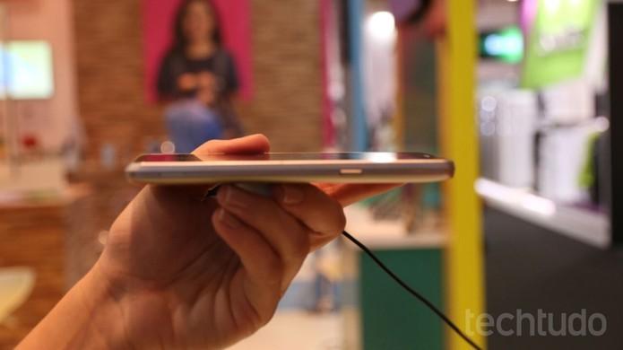 O L Prime, da LG, possui uma boa bateria para a sua categoria (Foto: Nicolly Vemercate/TechTudo)