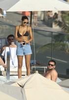 Top Lais Ribeiro e o namorado, Jared Homan, curtem piscina no Rio