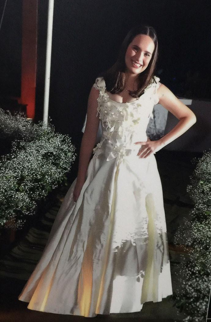 Julia Ruiz apostou no look branco em sua festa de 15 anos (Foto: Arquivo Pessoal)