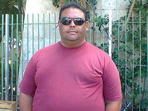 Eleitor Alex Leone em Salvador, Bahia (Foto: Lílian Marques/ G1)