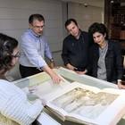Diretora da SP- Arte visita exposição (Ares Soares/Unifor)
