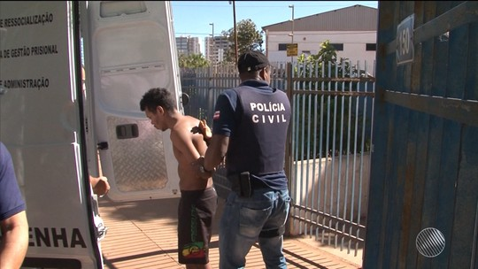 Presos da delegacia de Luís Eduardo Magalhães são transferidos para presídio de Barreiras