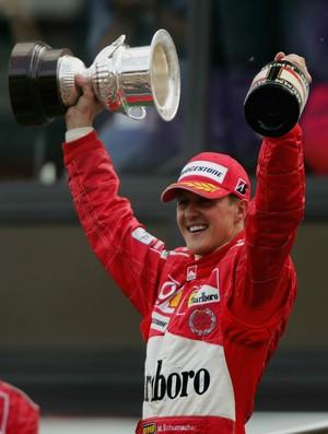 A consagração definitiva de Michael Schumacher veio em 2004, com o sétimo título e o recorde absoluto na F-1 (Foto: Getty Images)