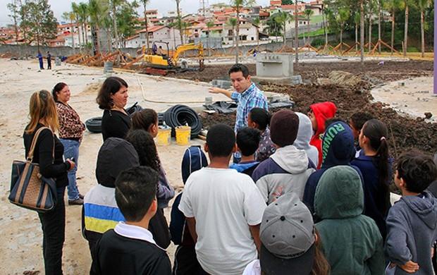 Alunos de escola estadual vistam obras do Parque da Cidade ()
