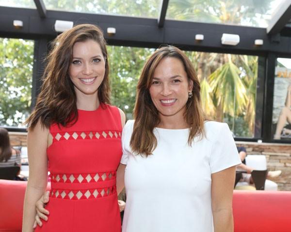 Nathalia Dill e nossa diretora de redação, Marina Caruso (Foto: Reginaldo Teixeira)