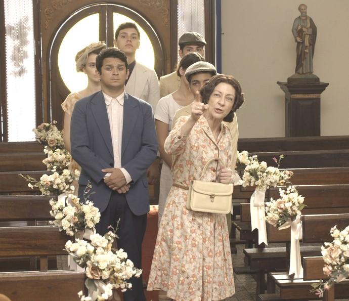 'Para! Para esse casamento!', grita a mulher (Foto: TV Globo)