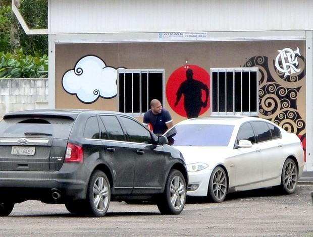 Adriano flamengo deixa o ninho do urubu (Foto: Richard Souza / Globoesporte.com)
