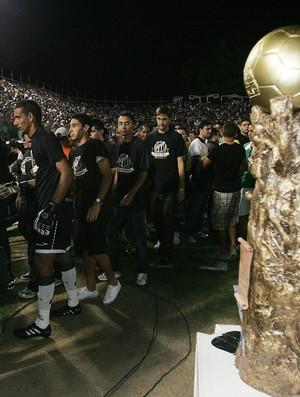 Em protesto à Federação Cearense de Futebol, Ceará não leva taça do campeão (Foto: Kid Júnior/ Agência Diário)