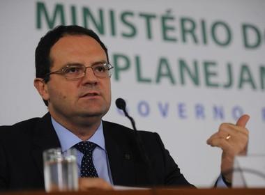 Barbosa divulga contingenciamento no Orçamento 2015 (Foto: José Cruz/Agência Brasil)