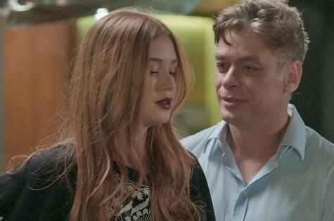 Eliza  (Marina Ruy Barbosa) e Arthur (Fábio Assunção) (Foto: Reprodução)