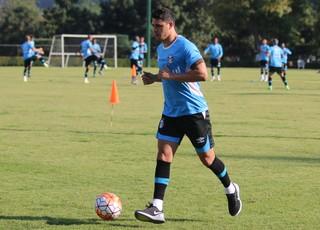 Giuliano meia do Grêmio  (Foto: Eduardo Moura/GloboEsporte.com)