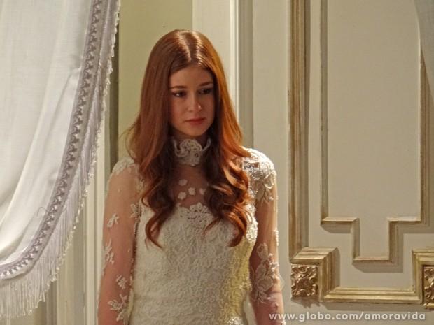 Thales tem nova visão de Nicole, agora na mansão (Foto: Amor à Vida/TV Globo)