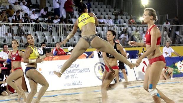 seleção brasileira de handebol de areia, jogadora da paraíba (Foto: Divulgação)
